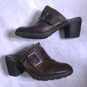 b.o.c Born Sz 7 Brown Buckle Leather Mules Clogs